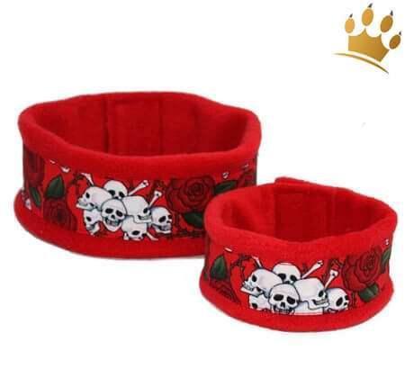 Hundeschal Skull Roses rot